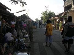 ジンバラン朝市