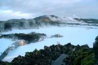 アイスランド版露天風呂「ブルーラグーン」