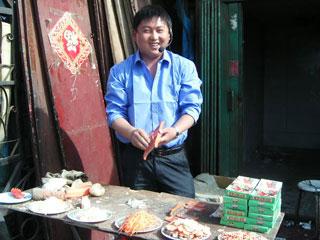 ウルムチ市場にて
