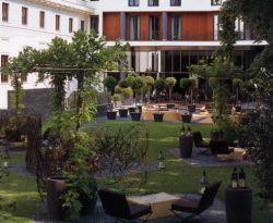 ホテル・ミラノ 中庭